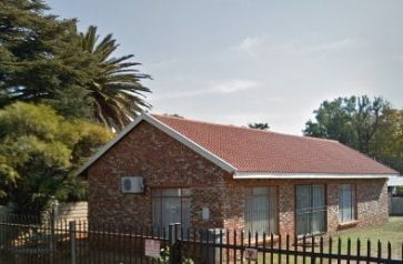 INVESTMENT PROPERTY FOR SALE WITH A 3 BEDROOM HOUSE IN FOCHVILLE
