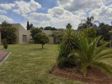 3 BEDROOM HOME WITH BIG YARD FOR SALE FOCHVILLE